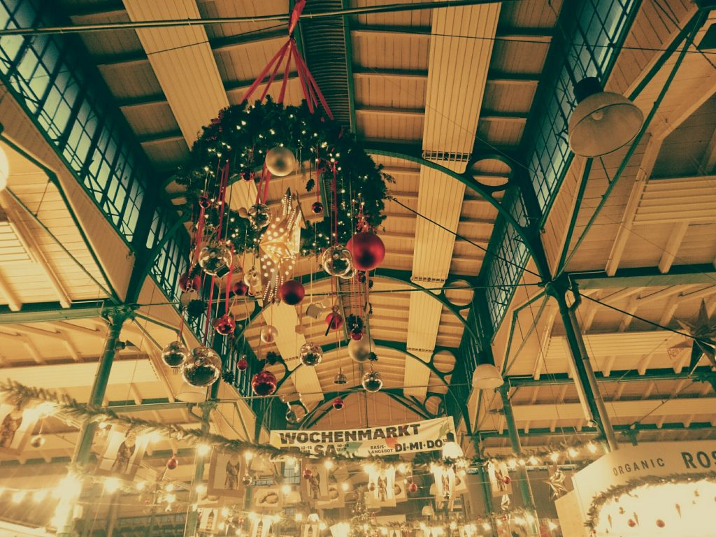 Merry Markthalle - vegan friendly chrismas market - vegan tours berlin